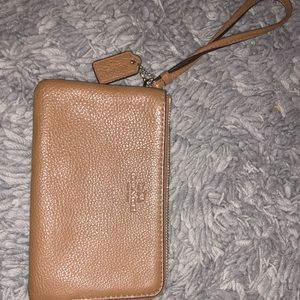 Tan leather coach wallet (basically new)